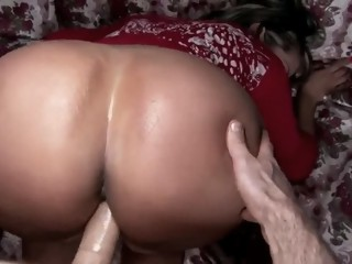 Curvy Latina gets POV fuck and facial