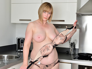 April in Naughty Housewife - Anilos