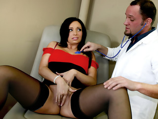 Alec Knight in The Doctor Gives Her A Massive Sperm Injection - BestGonzo