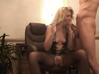 Smoking blowjob in pantyhose